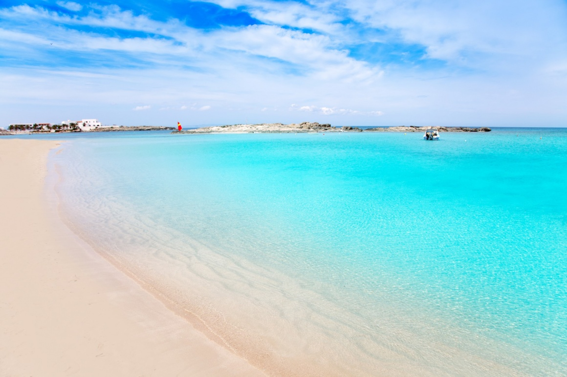 'Els Pujols Formentera white sand beach turquoise water in Balearic islands' - Formentera